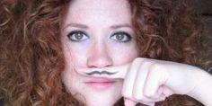 Почему растут волосы на лице у женщин: научные факты