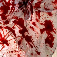 Here you shall learn the art of blood splatter! - Dexter, I love you. This is a very simple technique, but you have to know when to stop. Jeter Un Sort, Prop Making, Dark Photography, Red Aesthetic, American Horror Story, Oblivion, It Hurts, Blood, Pure Products
