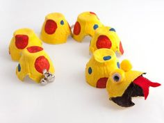 Egg Carton Dragon - Chinese New Year-I secretly always want to make these preschool gifts for myself. Such a conversation piece, no really it is!