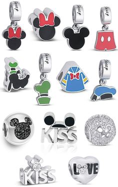 Design your own photo charms compatible with your pandora bracelets. life by vivara disney ferias divertidas Pandora Charms Disney, Pandora Beads, Pandora Bracelet Charms, Pandora Jewelry, Disney Charm Bracelet, Disney Jewelry, Charm Bracelets, Disney Addict, Disney Outfits