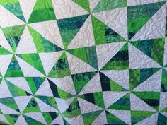 Easy pinwheel baby quilt using 1 jelly roll and 1 yard of white fabric. Jellyroll Quilts, Scrappy Quilts, Baby Quilts, Quilting Ideas, Quilting Projects, Quilt Patterns, Jelly Roll Patterns, Jelly Rolls, White Fabrics
