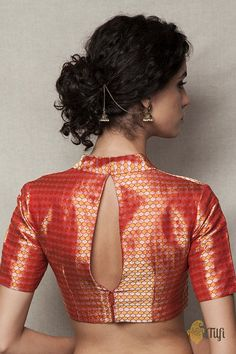 To make it easier for you, we have the top trending beautiful silk saree blouse designs so that you can choose the best for your saree look. Blouse Back Neck Designs, Brocade Blouse Designs, Brocade Blouses, Saree Blouse Patterns, Fancy Blouse Designs, Designer Blouse Patterns, Brocade Saree, Traditional Blouse Designs, Traditional Outfits