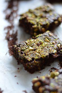 Brownies de chocolate negro e pistachos | A Cozinha da Ovelha Negra