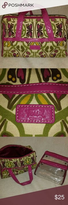 Fossil bag Floral Canvas fabric. Has 2 detachable see thru bags on the inside. Fossil Bags