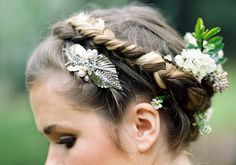 Floral hair crown   Scott Michael Photography   100 Layer Cake