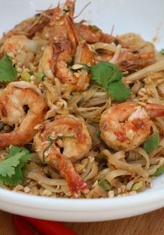 pad thai with prawns | Drizzle and Dip