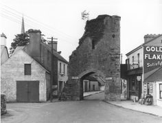 The North Gate also known as the arch by residents in the town in Athenry, Co. Old Photographs, Art Sketches, Gate, Arch, History, Longbow, Historia, Portal, Old Photos