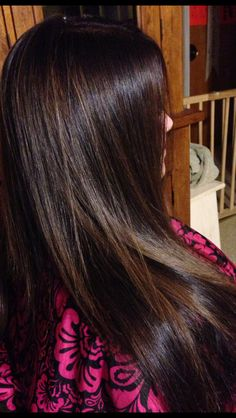 Red brown long razored layers hair