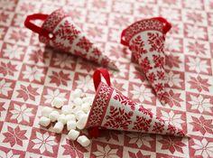 Scandinavian Christmas Dining | Decor Advisor