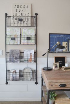 Farmhouse style home office. Great ideas for a small office space! #smallhomeofficedecorating