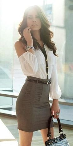 Un look working girl muy sexy. Work Fashion, Fashion Beauty, Fashion Looks, Womens Fashion, Fashion Trends, Workwear Fashion, Office Fashion, Style Fashion, Fashion Design