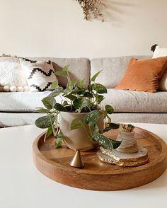 Table Decor Living Room, Bedroom Decor, Home Office Design, Home Interior Design, Boho Home, Decorating Coffee Tables, Living Room Inspiration, Apartment Living, Home And Living