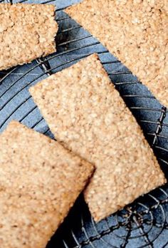 healthy snacks - Sunde snacks gode til før eller efter løbeturen Femina Healthy Deserts, Healthy Snacks, Healthy Eating, Healthy Recipes, Rye Bread Recipes, Snack Recipes, Food Crush, Bread Bun, My Favorite Food