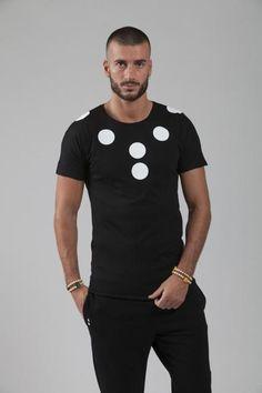 FRI:HAEND , MINIMALISM WELL-ROUNDED! Fri:Haend, a young brand which combines to the sportswear, sophistication, to Made in Italy contemporary and trendy genderless. Discover more on http://ob-fashion.com/frihaend/?lang=en   #emergingdesigner #emergingtalents #obfashion #fashion #trends #ootd #wiwt #اتجاهات #тенденции #トレンド #ファッション #мода #موضة #madeinitaly #luxury #ジェンダ #бесполые #design #tshirt #sweatshirt #frihaend #тенденции #men #menswear #sportswear