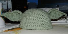 Tangled Threads and Random Thoughts: Crocheted Yoda Hat/Cap