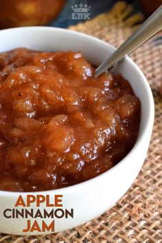 The taste of autumn captured and preserved in a simple to prepare jam. Apple Cinnamon Jam is a jam recipe that tastes like a dessert! #apple #jam #cinnamon #canning #foodpreservation #preserving #homecanning #canningrecipes #recipe #applejam Apple Cinnamon Jam, Apple Jam, Cinnamon Recipes, Jam Recipes, Canning Recipes, Apple Recipes, Canning Apples, Pea Salad Recipes, Apple Chutney