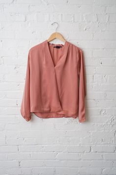 Perfect with skinny jeans and pointed toe pumps | Peach Crossover Top
