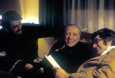 Carlos Montemayor, Jorge Luis Borges y Pedro Meyer, en la capilla Alfonsina, en 1973. Foto: Rogelio Cuellar