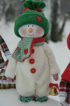 rx online Creative Snowman Christmas Decorating Ideas It's possible to locate a lot of Christmas Sewing, Christmas Fabric, Christmas Snowman, Christmas Projects, Holiday Crafts, Christmas Holidays, Christmas Ornaments, Elf Christmas Decorations, Theme Noel