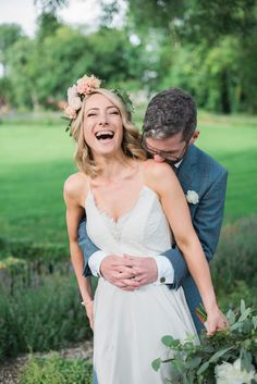 How to look great in your wedding photos: A photographer's 10 step guide | Confetti.ie