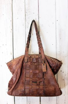 "Handmade woven leather bag ""INTRECCIATO 11"" di LaSellerieLimited su Etsy"