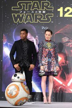 Daisy, John and Daisy Ridley Star Wars, Rey And Finn, Tv Show Couples, Star Wars Cast, John Boyega, Episode Vii, Star War 3, The Force Is Strong, Love Stars