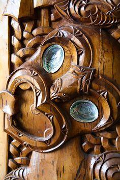 Maori wood Carving, Rotorua, New Zealand Abstract Sculpture, Wood Sculpture, Bronze Sculpture, Simple Wood Carving, Maori Designs, New Zealand Art, Wood Carving Designs, Nz Art, Homemade Art
