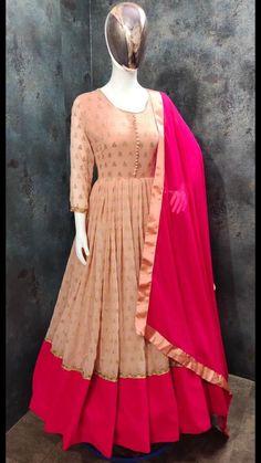 Lehenga Designs Simple, Kurta Designs, Blouse Designs, Dress Indian Style, Indian Fashion Dresses, Indian Gowns, Fashion Outfits, Designer Anarkali, Designer Gowns