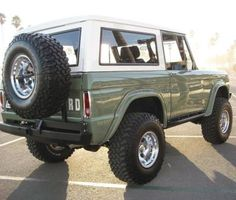 Vintage Trucks Classic Ford bronco, Camions and Ford on - Classic Bronco, Classic Ford Broncos, Ford Classic Cars, Classic Chevy Trucks, Pickup Auto, Pickup Trucks, Dually Trucks, Toyota Trucks, Diesel Trucks