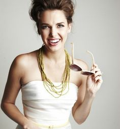 Google Image Result for http://www.glamour.com/weddings/blogs/save-the-date/0504-5-wedding-necklaces-brides-31-bits_we.jpg