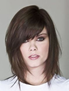 Bob, Long Angled Bob Hairstyles Futuristic Sense on Layered Razor Cut Bob 2014 Long Angled Bob Hairstyles, Layered Haircuts For Women, Blonde Bob Hairstyles, Short Hairstyles For Women, Hairstyles With Bangs, Braided Hairstyles, Layered Hairstyles, Medium Layered Hair, Medium Hair Cuts