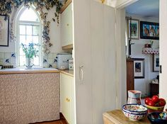 Whether you're looking for space saving solutions or space enhancing tricks for a small kitchen, be inspired to revamp yours – or just add the odd stylish flourish – with these pretty and practical ideas English Cottage Kitchens, Stairs And Doors, Gothic Windows, Period Living, Kitchen Units, Kitchen Ideas, Handmade Kitchens, Space Saving, Home And Garden