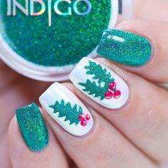Worlds Best Nail Art, manicures, salon supplies, tutorials, nail trends. Helpful nail technician seminars and courses. Cute Christmas Nails, Xmas Nails, Fun Nails, Holiday Nail Art, Winter Nail Art, Winter Nails, Seasonal Nails, Nagellack Trends, Shiny Nails
