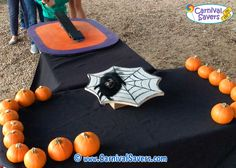 Make a board with several 3 spider webs for 3 different prizes. Fall Carnival, Halloween Carnival, Carnival Games, Carnival Ideas, School Carnival, Halloween 2020, Fall Festival Games, Fall Games, Halloween Festival