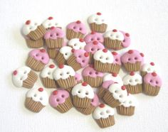 6 Cupcake Sewing Buttons Pink or White by  Pats Paraphernalia, £3.60 (inspiration for polymer clay)