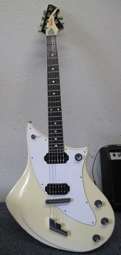 Une FastBack MotorAve. Retrouvez des cours de guitare d'un nouveau genre sur MyMusicTeacher.fr