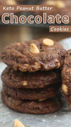 Keto Peanut Butter Chocolate Cookies - You would never guess that these tasty cookies are almost sugar free, high in protein, low carb, and gluten free 6 Guilt Free Sugar Free Dessert Recipes Protein Cookies, Keto Cookies, Yummy Cookies, Chip Cookies, Sugar Free Cookies, Healthy Cookies, Desserts Keto, Dessert Recipes, Diabetic Desserts Sugar Free Low Carb