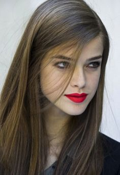 http://www.hunterandchase.com.au/blog/wp-content/uploads/2013/04/red-lipstick/red-lipstick9.jpg