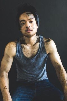 Osric looking dirty and hot. :) This is what nerds look like in our fandom. Matt Cohen, Supernatural Pictures, Supernatural Fans, Jared Padalecki, Misha Collins, New Actors, Actors & Actresses, Jensen Ackles, Kevin Tran
