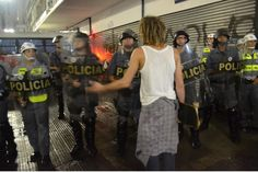 What would you like to talk about?  #brazil #brasil #são paulo #contraacopa #black bloc #manifestação #demonstration #2014 world cup Curta! Compartilhe! Veja mais no meu site: Tumblr - https://gustavogoncalvesfotografia.tumblr.com
