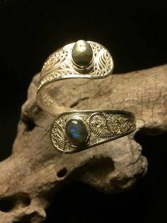 Silver 980 filigree bracelet , snake design with double labradorite (one blue one green). 100% handmade