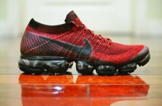The Nike Air VaporMax Dark Team Red is showcased in additional images and it's dropping at Nike stores on June Adidas Outfit, Nike Outfits, Nike Clothes Mens, Fashion Shoes, Mens Fashion, Sporty Fashion, Nike Vapormax Flyknit, Nike Free Runners, Kicks Shoes