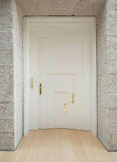 10 Beautiful And Interesting Front Doors