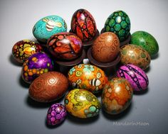Today I am unfolding before you Easter eggs designs, decoration ideas & bunny pictures of 2015 Alcohol Ink Painting, Alcohol Ink Art, Egg Tree, Easter Egg Designs, Easter Celebration, Gourd Art, Egg Decorating, Holiday Ornaments, Easter Crafts