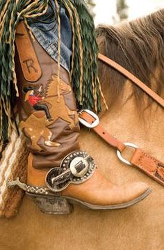 ♥ Cowgirl Hard Ridin', Straight Shootin' - Cowgirl Mounted Shooting is one of the fastest growing equine sports in the world Cowboy Horse, Cowboy And Cowgirl, Cowgirl Style, Cowgirl Boots, Cowboy Gear, Boho Boots, Old Gringo, Le Far West, Dee Dee