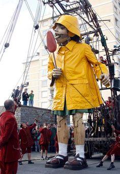 La géante du titanic - PteG avec sa sucette géante - ArtcomArt 8
