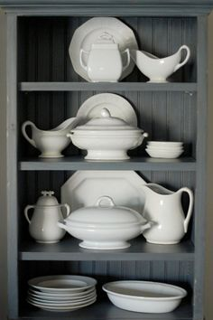 Frog Goes to Market: pretty ironstone display