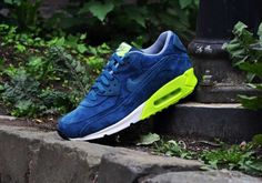 Nike Air Max (Blue Suede)  Pure Awesomeness