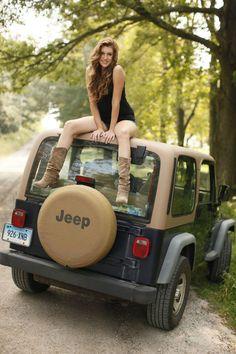 <3 jeep girls :D  www.talkingjeepoz.com.au