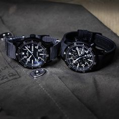 Day-Date or Chronograph? Which Diver Black do you prefer? #fortis_official_watches #fortiswatches #diver #black #bluehand #daydate #chronograph #divewatch #divingwatch #aquatis